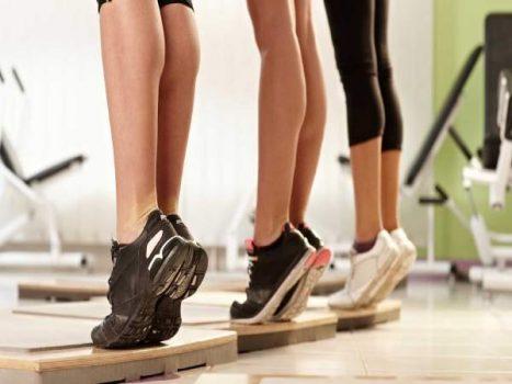 Tập bắp chân thon gọn tại nhà đơn giản dễ thực hiện